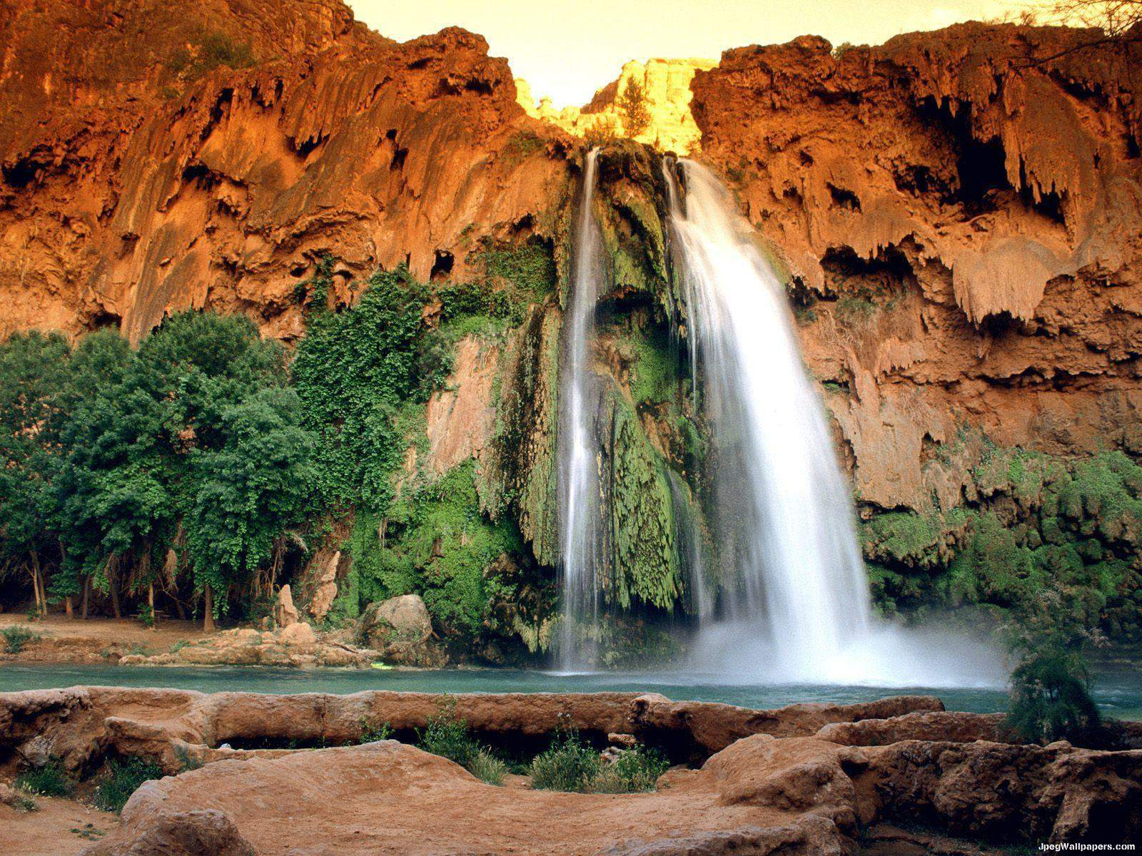 Download Landscape and Architectures wallpaper, 'Waterfall 2'.